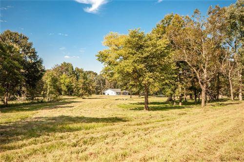 Photo of 600 Winding Creek Road, Shepherd, TX 77371 (MLS # 22117290)