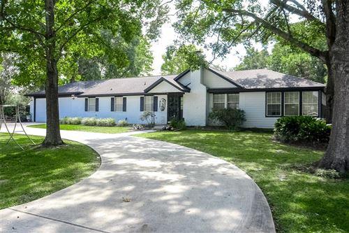 Photo of 13233 Crest Drive, Willis, TX 77318 (MLS # 43670291)