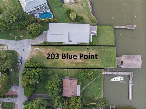 Photo of 203 Blue Point Road, Clear Lake Shores, TX 77565 (MLS # 58722297)