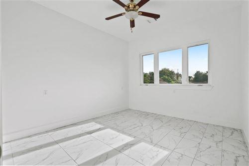 Tiny photo for 3726 N Braeswood Boulevard, Houston, TX 77025 (MLS # 92938297)