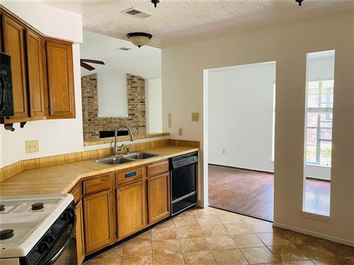 Tiny photo for 16015 Pipers View Drive, Houston, TX 77598 (MLS # 44872298)