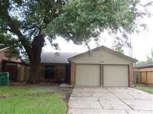 Photo of 3322 Knotty Oaks Trail, Houston, TX 77045 (MLS # 25601299)
