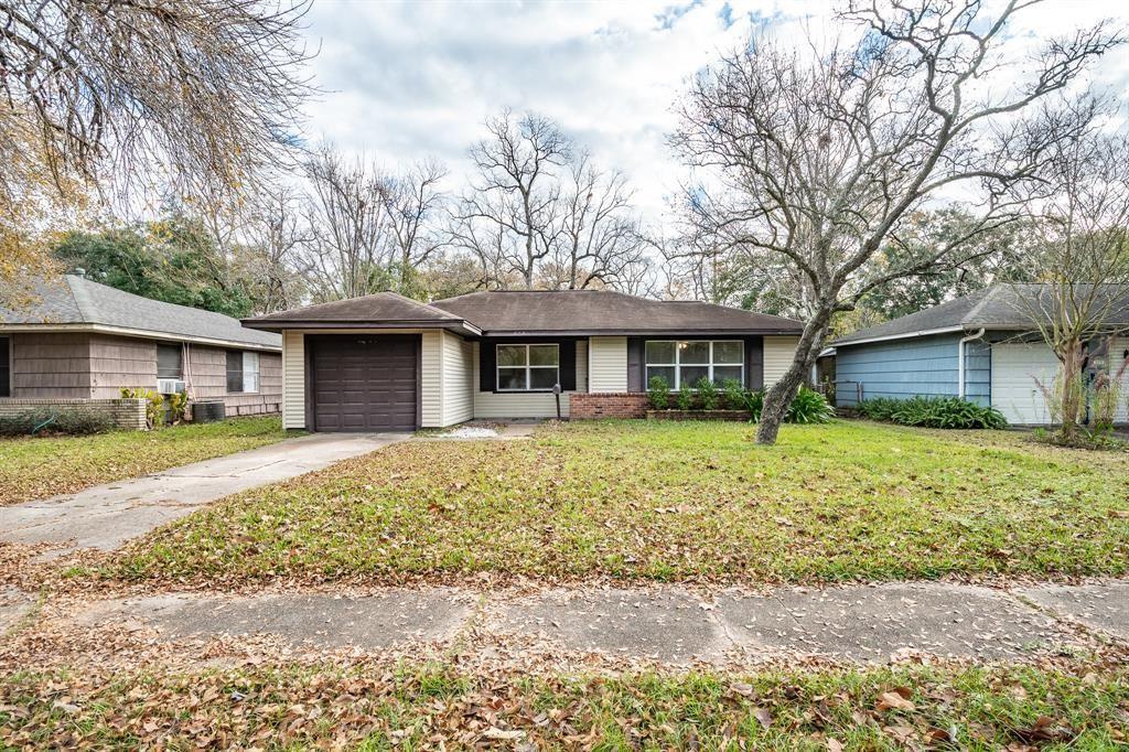 325 Linda Street, Deer Park, TX 77536 - #: 51360301