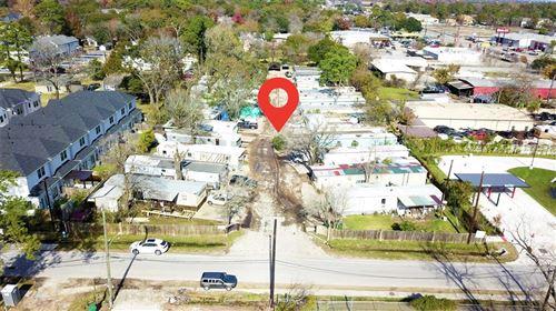 Photo of 720 Thornton Road, Houston, TX 77018 (MLS # 31957302)