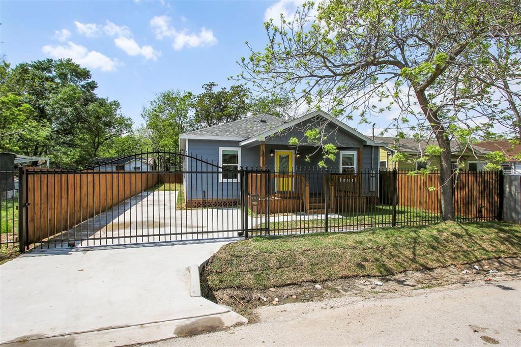 3917 Falls Street, Houston, TX 77026 - MLS#: 55622304