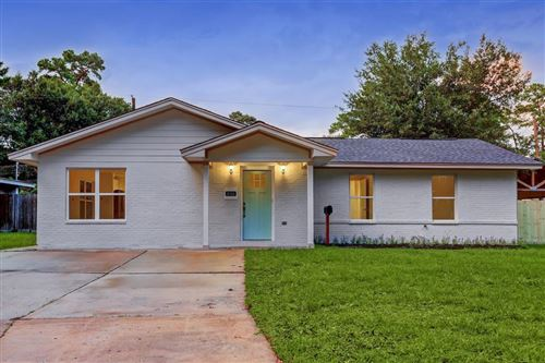Photo of 4106 Gardendale Drive, Houston, TX 77092 (MLS # 34624305)