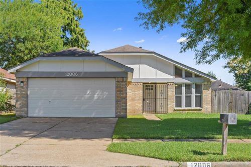 Photo of 12006 Huntington Park Drive, Houston, TX 77099 (MLS # 82583308)