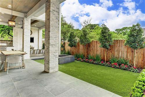 Tiny photo for 115 Memorial Parkview Drive, Houston, TX 77024 (MLS # 97363311)