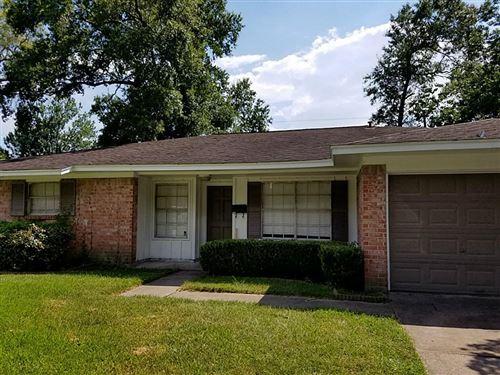 Photo of 13906 Wadebridge Way, Houston, TX 77015 (MLS # 66372314)