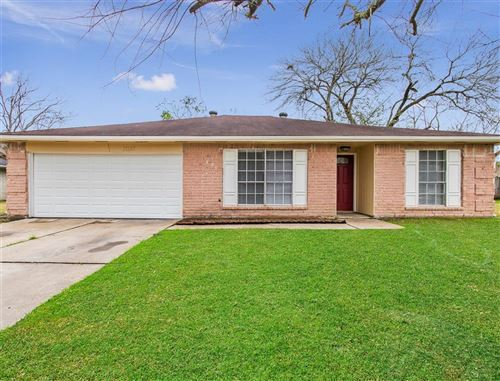 Photo of 17147 Barcelona Drive, Friendswood, TX 77546 (MLS # 76410319)