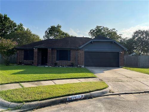 Photo of 10917 Linwood Court, La Porte, TX 77571 (MLS # 71743320)