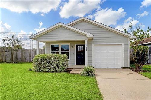 Photo of 5503 Hamill Ranch Lane, Houston, TX 77066 (MLS # 37091321)