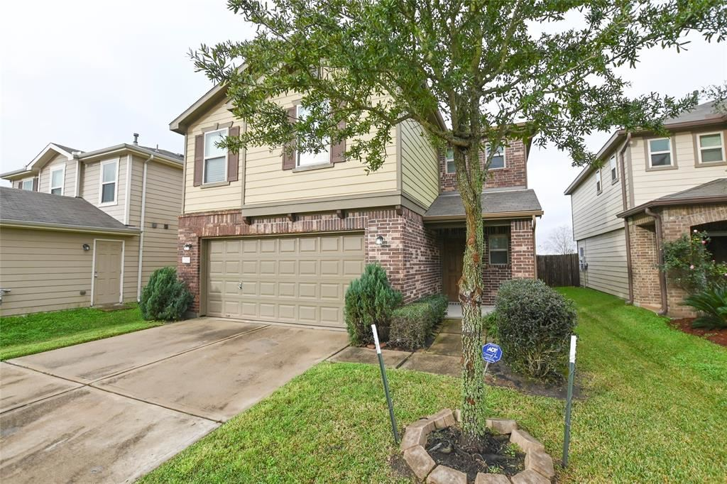 Photo for 2510 Skyview Point Drive, Houston, TX 77047 (MLS # 31302322)