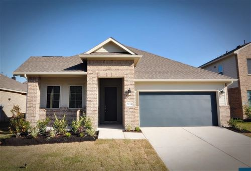 Photo of 21304 Somerset Shores Crossing, Kingwood, TX 77339 (MLS # 69598323)