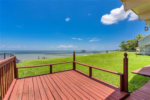 Photo of 5039 W Bayshore Drive, Bacliff, TX 77518 (MLS # 20708324)