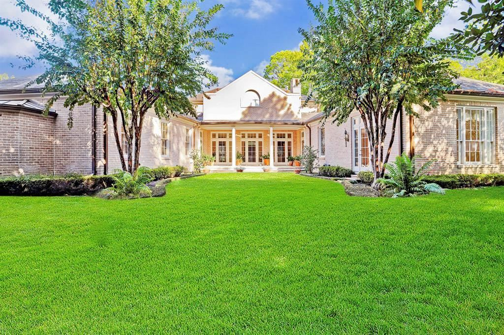 Photo for 5957 Crab Orchard Road, Houston, TX 77057 (MLS # 76255331)