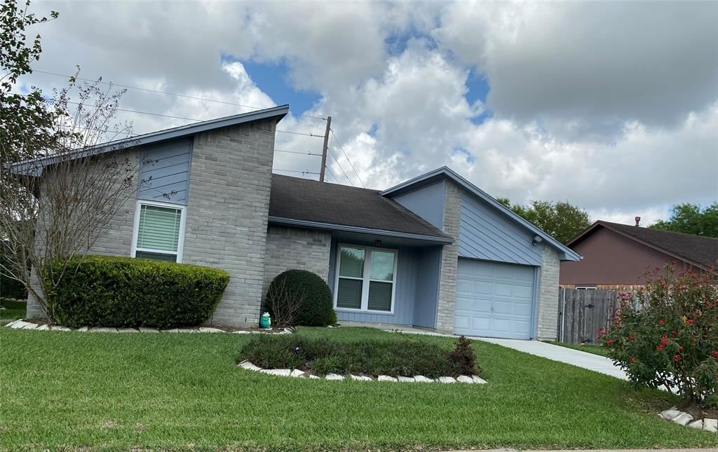 2911 Helmsley Drive, Pearland, TX 77584 - #: 76017332