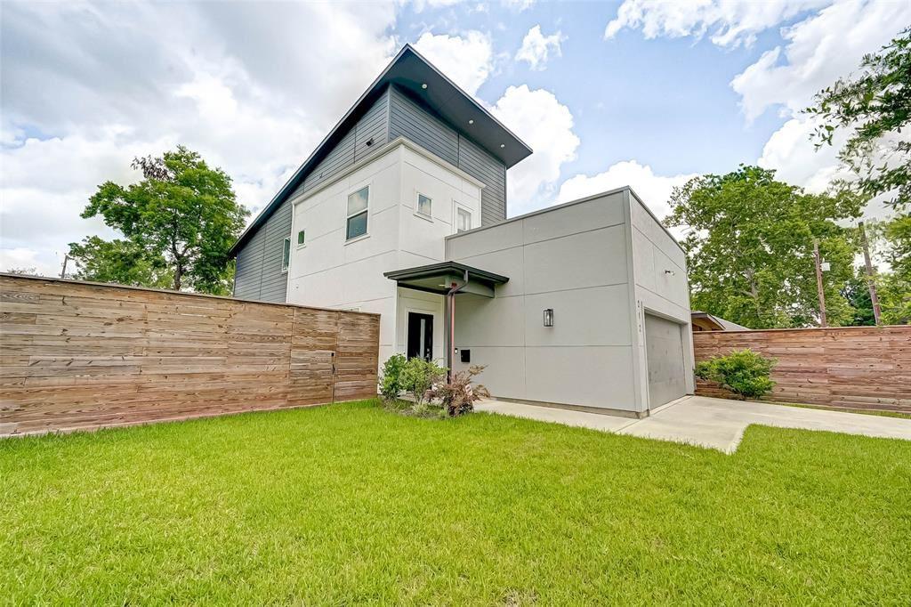 Photo for 212 Pheasant Street, Houston, TX 77018 (MLS # 78235333)