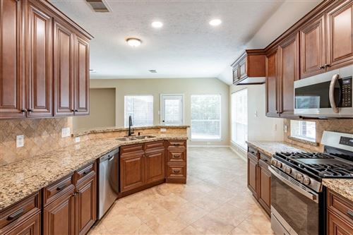 Photo of 130 W Russet Grove Circle, The Woodlands, TX 77384 (MLS # 97533341)