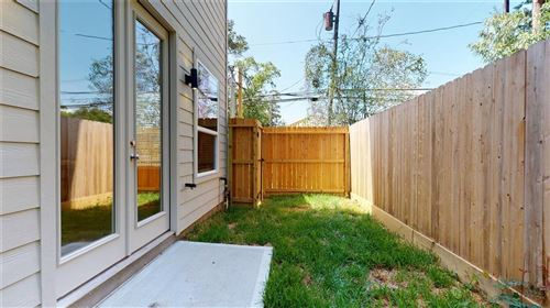 Tiny photo for 5202 Pinemont Creek Lane, Houston, TX 77018 (MLS # 9742342)