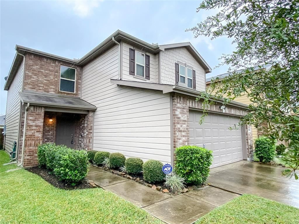 Photo for 2710 Skyview Point Drive, Houston, TX 77047 (MLS # 88458342)