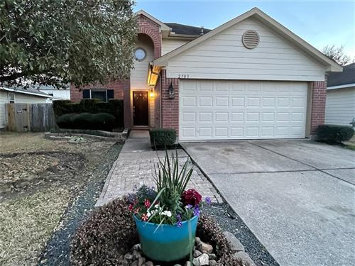 Photo of 2703 Umiak Drive, Houston, TX 77045 (MLS # 58204343)