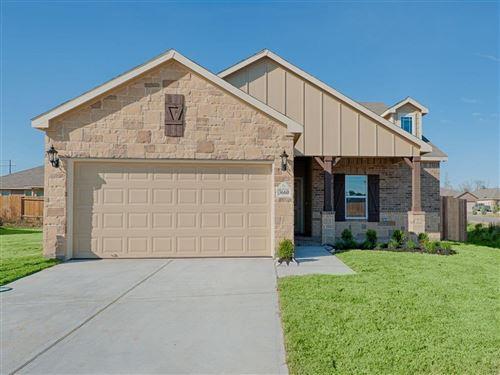 Photo of 11017 Ondrea, Willis, TX 77318 (MLS # 37648345)
