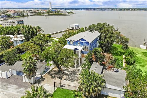 Photo of 1814 Cove Park Drive, Kemah, TX 77565 (MLS # 97284348)