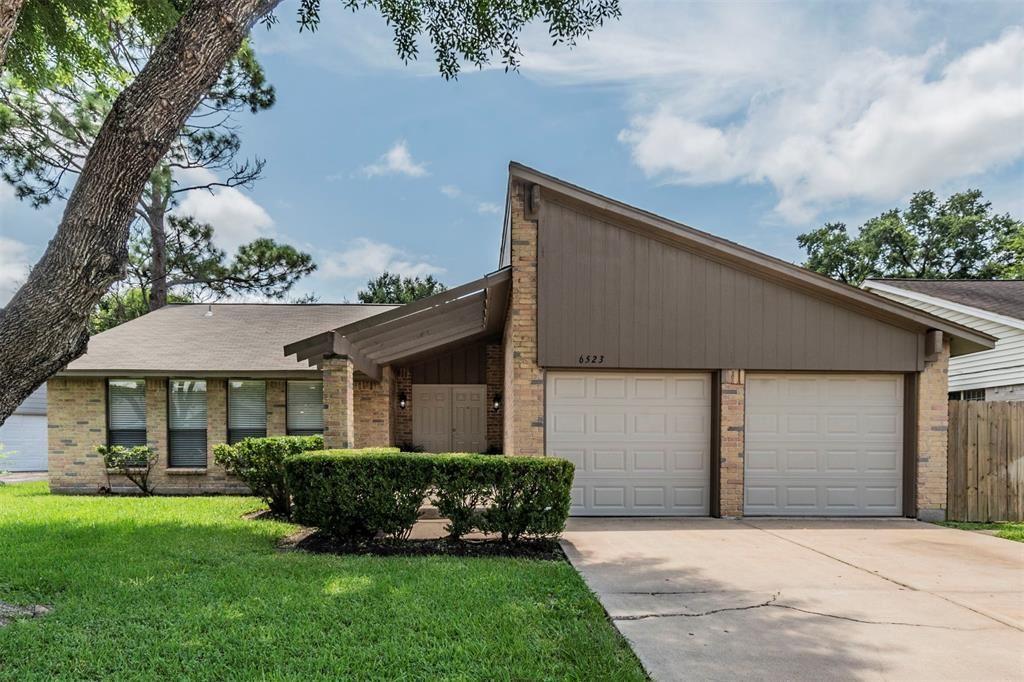 6523 Log Hollow Drive, Houston, TX 77088 - #: 94951348