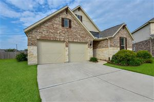 Photo of 2804 Parkside Village Court, Pearland, TX 77581 (MLS # 28055350)