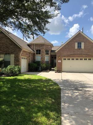 Photo of 10203 Crescent Bluff Lane, Houston, TX 77070 (MLS # 70219353)