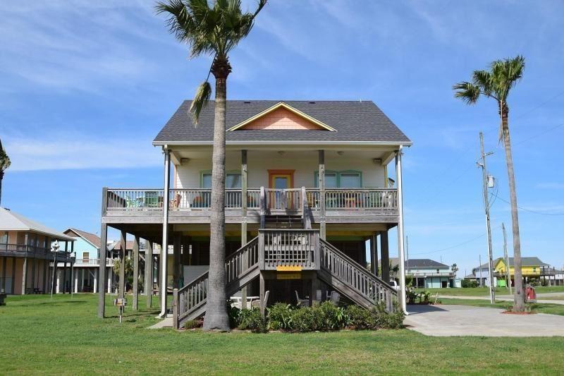 933 Sue Drive, Crystal Beach, TX 77650 - MLS#: 92128358