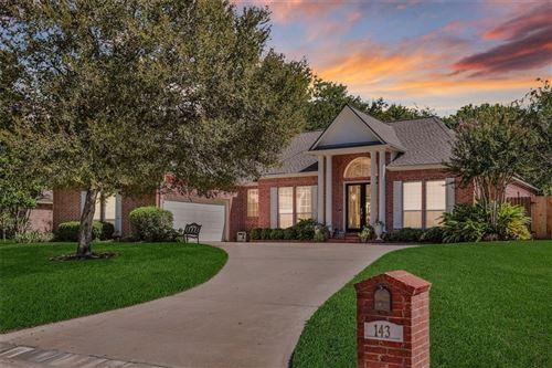Photo of 143 Lakeside Drive, Conroe, TX 77356 (MLS # 96955359)