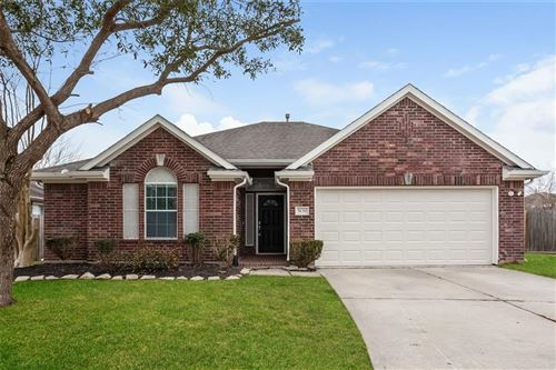 Photo of 5139 Chase Park Circle, Bacliff, TX 77518 (MLS # 47787361)