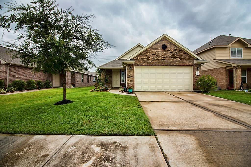 Photo for 10843 Brittan Leaf Lane, Houston, TX 77034 (MLS # 20690361)