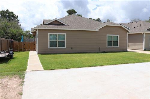 Photo of 110 unit B Will Street, Willis, TX 77378 (MLS # 13986365)