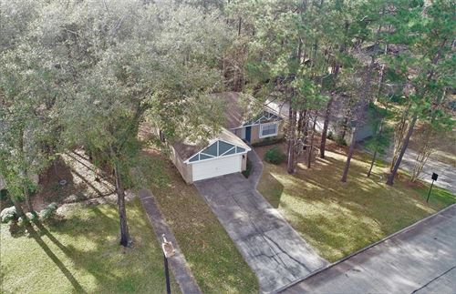 Photo of 109 Fallshire Drive, The Woodlands, TX 77381 (MLS # 90259367)