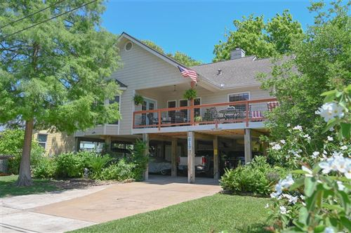 Photo of 619 Narcissus Road, Clear Lake Shores, TX 77565 (MLS # 32529368)