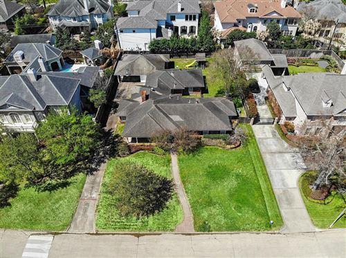 Photo of 5502 Longmont Drive, Houston, TX 77056 (MLS # 69538369)