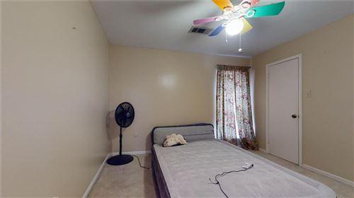 Tiny photo for 15206 La Mancha Drive #Q, Houston, TX 77083 (MLS # 25511374)
