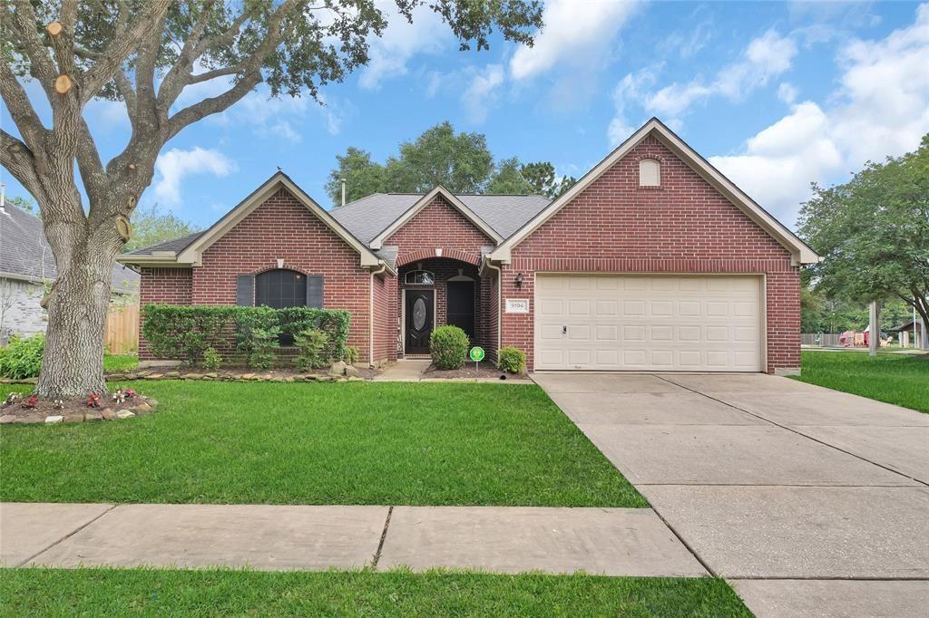 5104 Cherry Blossom Drive, League City, TX 77573 - MLS#: 76228380