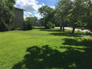Photo of 131 E Shore Drive, Clear Lake Shores, TX 77565 (MLS # 23652382)