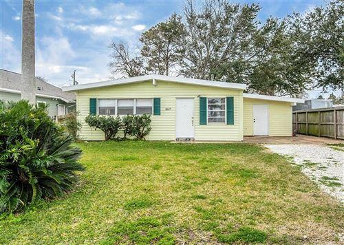 Photo of 2617 Oaks, San Leon, TX 77539 (MLS # 51429383)