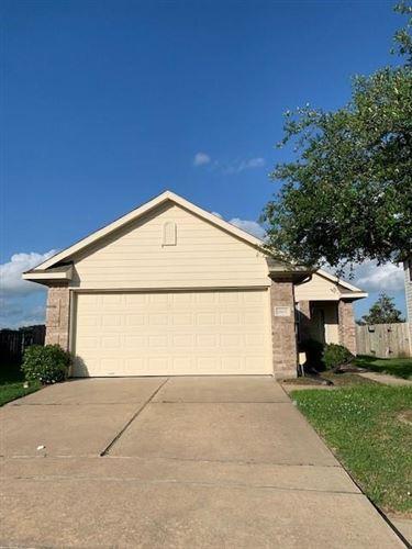 Photo of 14407 Benningcrest Lane, Houston, TX 77047 (MLS # 39094386)