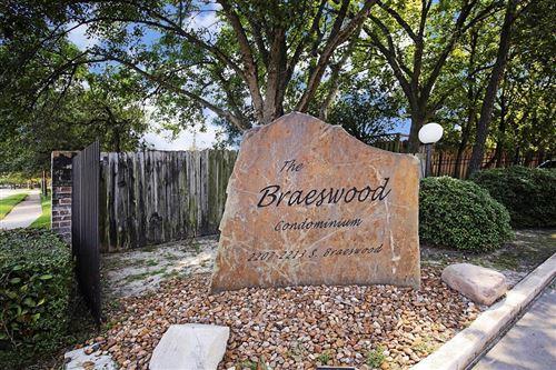 Photo of 2209 S Braeswood Blvd #32F, Houston, TX 77030 (MLS # 23408388)