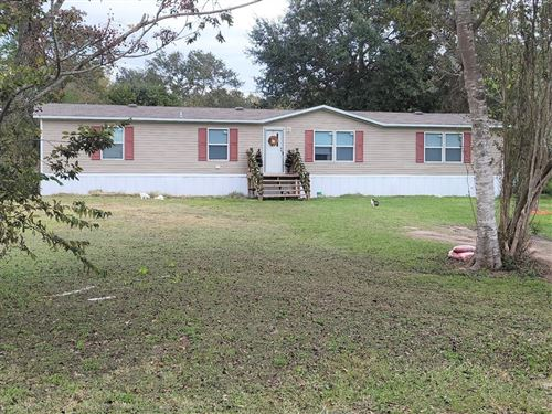 Photo of 206 E Union Street, Eagle Lake, TX 77434 (MLS # 4176388)