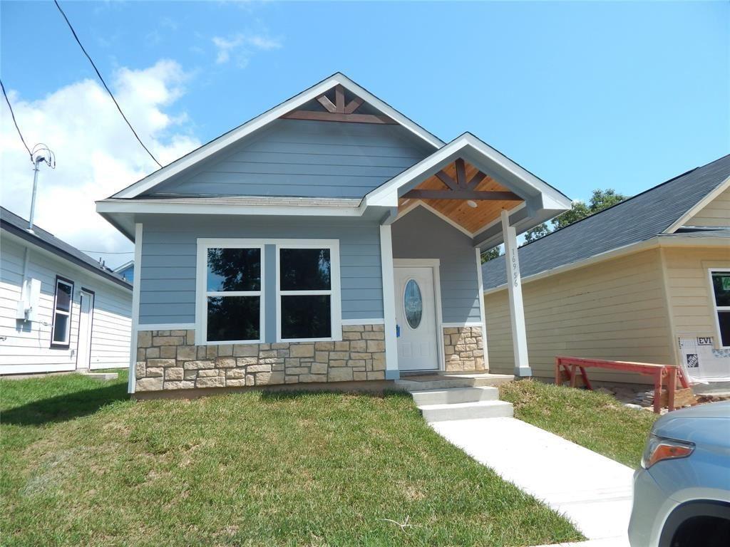 Photo for 16956 W Ivanhoe, Montgomery, TX 77316 (MLS # 49195388)