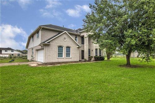 Photo of 2403 Fm 2917 Road, Alvin, TX 77511 (MLS # 45781389)
