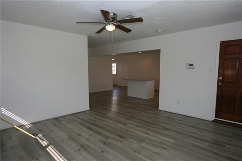 Tiny photo for 2131 Counter Point Drive, Houston, TX 77055 (MLS # 40002390)