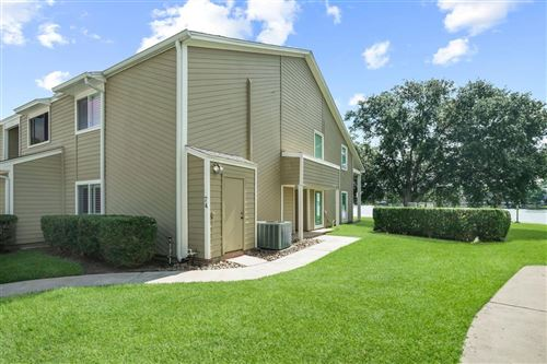 Photo of 74 April Point Drive, Conroe, TX 77356 (MLS # 85254391)